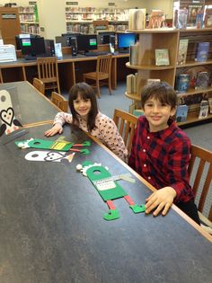 Kids enjoying our Drop-In Craft this past weekend.   Mark your calendars - the next one is Saturday, Jan. 23!
