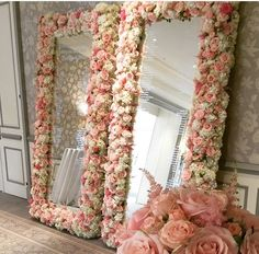 makeup room ideas (make up stations) Tags: Makeup room DIY, makeup room . makeup room ideas (make up stations) Tags: Makeup room DIY, makeup room ideas, makeup room small, dream make Makeup Room Diy, Makeup Rooms, Diy Makeup, Makeup Studio Decor, Flower Mirror, Flower Wall, Diy Floral Mirror, Diy Room Decor, Bedroom Decor