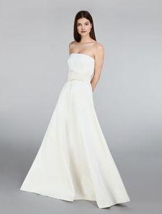 de2667dbff2e Max Mara Bridal 2018 Fall Collection Is Vegan! - The Kind Bride Abiti Da  Sposa