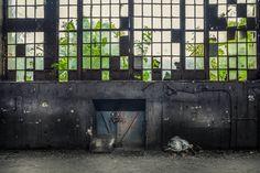 Łódzkie fabryki i elektrociepłownie w obiektywie Pawła Augustyniaka - Łódzkie fabryki i elektrociepłownie mogą być magiczne! Fotograf wydobywa ich niepowtarzalne piękno Old Factory, Factories, National Geographic, Poland, Architecture, Arquitetura, Architecture Illustrations, Architecture Design, Architects