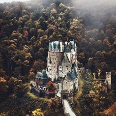 Always dreamed of a castle, and you? Tag someone!