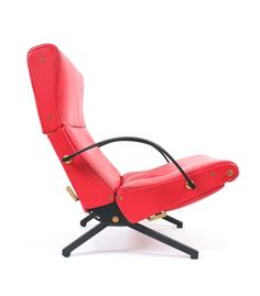 Beautiful Osvaldo Borsani P40 relaxing chair by Tecno/Italy in thick red leather with brass details and original rubber armrests. The condition is very good.