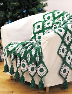 Happy Holidays Afghan Check out this free pattern called the Happy Holidays Crochet Afghan. I was drawn to this afghan