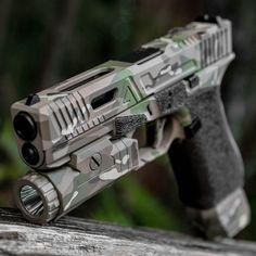 InstagramLoading that magazine is a pain! Get your Magazine speedloader today! http://www.amazon.com/shops/raeind Custom Guns, Custom Glock, Cool Guns, Tactical Guns, Weapons Guns, Guns And Ammo, Gloc 19, Hand Guns, Firearms