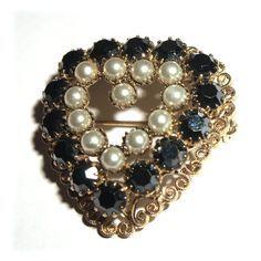 Navy Blue Pearl Hobe Heart Brooch