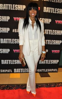 Marlo-Hampton looks good in all white!!!