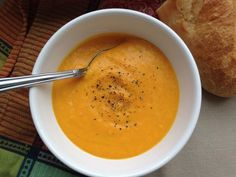So going to make this! Wine Recipes, Soup Recipes, Carrot Ginger Soup, Healthy Plate, Healthy Low Carb Recipes, Recipe Mix, Savoury Dishes, Sweet And Salty, Winter Food