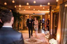 Foi super difícil escolher nossos padrinhos e madrinhas. Como nosso casamento foi pequeno (80 convidados) a gente acabou decidindo ter apenas 2 padrinhos e 2 madrinhas, ou seja, só dois casais. Pra...