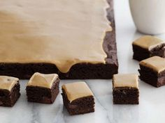 Recipe of the Day: Giada's Espresso Brownies Giada dresses up boxed brownie mix with espresso powder and chocolate chips before topping it all with an espresso-infused glaze.
