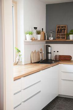 Heute werden die Vorher-Nachher-Fans ihr Geld bekommen - das zeige ich dir ... #bekommen #heute #nachher #vorher #werden #zeige New Kitchen, Kitchen Dining, Kitchen Decor, Kitchen Cabinets, Kitchen Mirrors, Decorating Kitchen, Awesome Kitchen, Hallway Decorating, White Cabinets