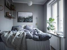 Small Grey Bedroom My Space In 2019 Gray Bedroom Small Grey Small Bedroom Hacks, Small Grey Bedroom, Grey Bedroom Decor, Bedding Master Bedroom, Trendy Bedroom, Bedroom Eyes, Small Bedroom Inspiration, Interior Inspiration, Dreams Beds