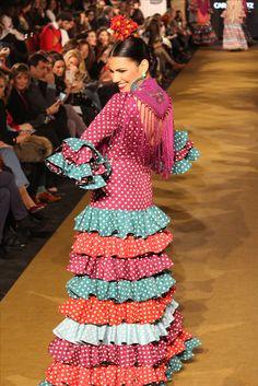 We Love Flamenco 2017 Flamenco Dresses, Flamenco Dancers, Yellow Headboard, Boho, Fashion, Joy, Flower, Dirndl, Moda