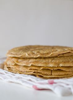 You're gonna love these vegan crepes, they're so spongy and soft and have a delicious vanilla flavor.