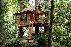 Do you have a big backyard with the big tree? Then why not make a kids tree house design so that your kids can stop playing with gadgets and doing more outdoor activities instead.