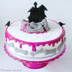https://flic.kr/p/8FZ7Q2 | Halloween Cake | Blogged at Torie…