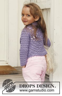Lovely Lily / DROPS Children - Crochet circle jacket with lace pattern and long sleeves in DROPS Paris. Crochet Toddler, Crochet Baby Clothes, Crochet For Kids, Drops Design, Crochet Jacket, Crochet Cardigan, Pull Crochet, Knit Crochet, Crochet Gratis
