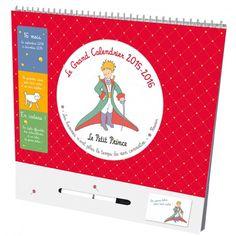 Une année en famille avec le Petit Prince !   Un calendrier qui couvre 16 mois de l'année De grandes cases pour noter tous les événements familiaux Une fabrication soignée avec de jolis autocollants, des pense-bêtes, une pochette et un stylo effaçable Un graphisme délicat, à l'effigie du Petit Prince, avec chaque mois une citation à (re-)découvrir !