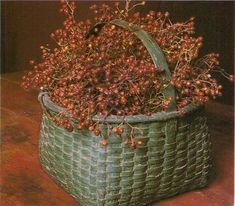 Grungy Green Basket filled with bittersweet Old Baskets, Vintage Baskets, Wicker Baskets, Woven Baskets, Primitive Fall, Primitive Homes, Primitive Country, Prim Decor, Country Decor