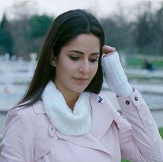 Katrina in jab tak hai jaan Indian Actress Hot Pics, Beautiful Indian Actress, Indian Actresses, Beautiful Actresses, Beautiful Women, Katrina Kaif Images, Katrina Kaif Hot Pics, Katrina Kaif Photo, Indian Celebrities