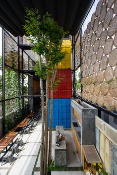 Gallery of Ccasa Hostel / TAK architects - 17