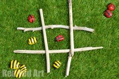 Tic Tac Toe - Stone Game Bees & Ladybirds