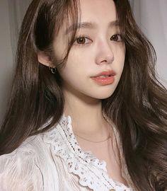 Girl Korea, Asia Girl, Pretty Girl Face, Ulzzang Korean Girl, Everyday Makeup, Best Face Products, Makeup Inspo, Lingerie Set, Girl Photos