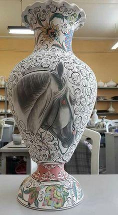 Dekorační váza * bílý porcelán malovaný květinovou dekorací a krásně nakreslenou hlavou koně ♥♥♥