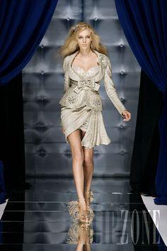 Zuhair Murad - Couture - Fall-winter 2010-2011 - http://www.flip-zone.net/fashion/couture-1/fashion-houses/zuhair-murad-1854