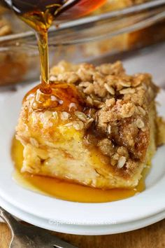 French Toast Casserole is one of our go to dishes during the autumn and winter months! This easy warming casserole combines all the classic flavors of light and fluffy french toast with the ease of a make ahead breakfast casserole! Fluffy French Toast, French Toast Bake, French Toast Casserole, Breakfast Casserole, Breakfast Quiche, Sausage Breakfast, Slow Cooker Breakfast, Make Ahead Breakfast, Breakfast Recipes