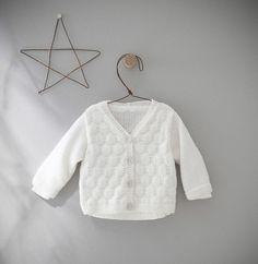 Modèle gilet blanc layette Partner Baby - Modèles Gratuits Layette - Phildar