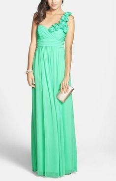 Comes in grey? Dream prom dress: One shoulder, mint gown.