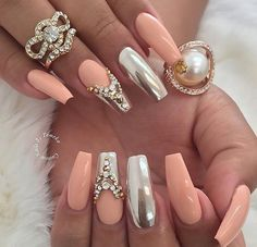 Nails on fleekkkkkk♥♥