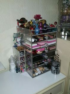 By me rahi.... Luv..... luv.... luv.... Can't be without it looks gorgeous and stunning. And all organised. 😍😍😍😍. The large one is frm a company called mycras bought from £150 and my small muji drawers £22.