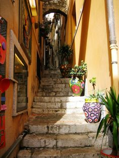 Alley in #Torremolinos, Spain.