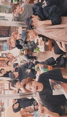 Umm was Jeonghan upset are what lol? Going Seventeen, Vernon Seventeen, Seventeen Memes, Seventeen Debut, Seventeen Junhui, Joshua Seventeen, Woozi, Jeonghan, Kpop Wallpaper