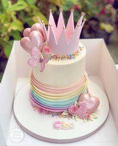 Birthday Cake Crown, Twin Birthday Cakes, Baby First Birthday Cake, Fondant Cakes, Cupcake Cakes, Cupcakes, Cake Decorating Designs, Cake Designs For Kids, Gateaux Cake
