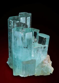 Aquamarine - Dassu, Pakistan (A good luck stone for Pisces) Minerals And Gemstones, Rocks And Minerals, Natural Crystals, Stones And Crystals, Gem Stones, Crystal Aesthetic, Beautiful Rocks, Mineral Stone, Rocks And Gems