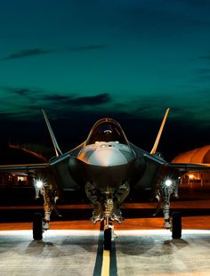 Bernstein & Andriulli - News - Stephen Wilkes Gets Up Close and Personal With Joint Strike Fighter