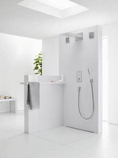 hansgrohe Hand showers: PuraVida, 3 spray modes, Item No. Bad Inspiration, Bathroom Inspiration, Modern Bathroom Design, Bathroom Interior, Open Plan Bathrooms, White Bathrooms, Digital Showers, Next Bathroom, Bathroom Showrooms