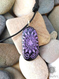 Colgante pintado en piedra piedra pintada a mano roca de mar