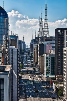 Paulista Avenue, São Paulo, Brazil - For more travel inspiration visit www.travelerhype.com #travel #saopaulo #brazil