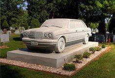 Mercedes-Benz sind zum verlieben. Doch dies ist der wahre Zeichen einer echt übertriebenen Liebe... ;)