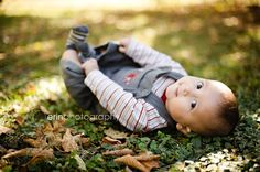 3 month idea outside 3 Month Old Baby Pictures, Baby Boy Pictures, Newborn Pictures, Baby Photos, Outside Baby Pictures, Monthly Pictures, Newborn Pics, Outdoor Baby Photography, Baby Boy Photography