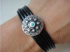 Resultado de imagen para importadores bisuteria de cuero, brazaletes con adornos y cierres  de acero en cuero