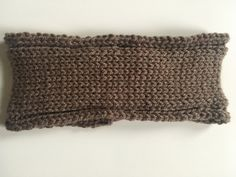 Hand knitted brown headband for men and/or women. Purl stitch headband in soft brown wool, perfect gift for Christmas for all. Headband Men, Knitted Headband, Headbands, Purl Stitch, Sell Items, Different Styles, Hand Knitting, My Etsy Shop, Christmas Gifts