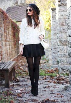 suéter blanco + Falda negra