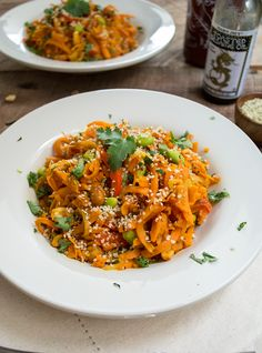 This Sweet Potato Pad Thai with Sriracha Sauce is the perfect dish to curb your Thai cravings, but without the guilt! Gluten Free, Dairy Free, Sugar Free!