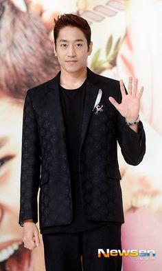eric mun shinhwa Another Miss Oh, Lee Min Woo, Shin Hye Sung, Eric Mun, Park Bo Gum, Kim Dong, Korean Star, Pop Bands, Cnblue