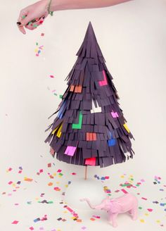 Piñata Christmas Tree by blow-up (a DIY)