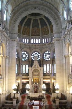 Rue Victoire Synagogue Paris. I did high holidays here.